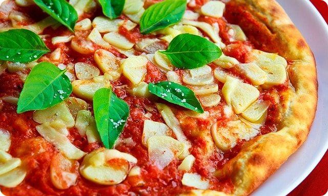 leckere Pizza essen bei Lübeck