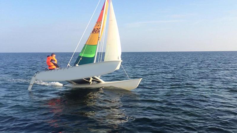 Katamaran segeln  Katamaran segeln auf der Ostsee Ohne Erfahrung mitsegeln Cat mieten