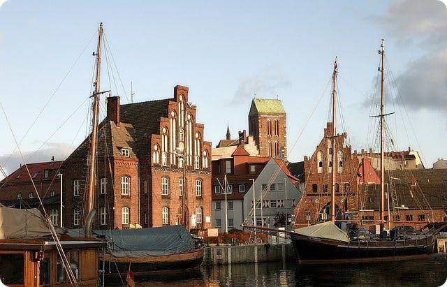 Wismar Sehenswürdigkeiten, der alte Hafen in Wismar.