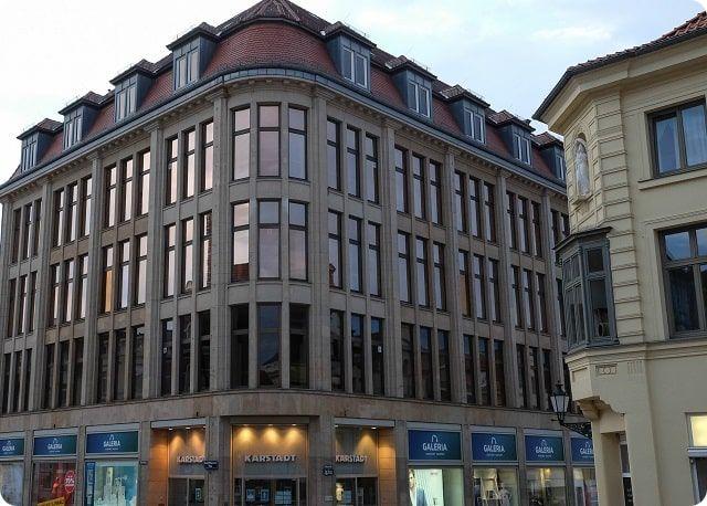 Das Warenhaus Karstadt in Wismar ist sein ursprügliche Stammhaus.