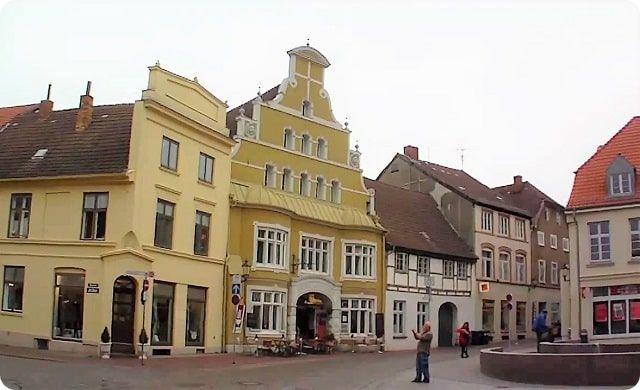 Die Loewenapotheke ist eine Wismarer Sehenswürdigkeit.