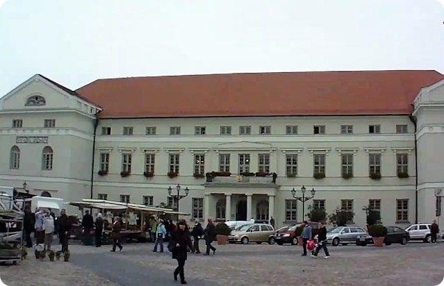 Das Rathaus ist eines der Sehenswürdigkeiten von Wismar.